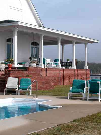 Sanders-Beach-585-Windrose_03+web.jpg:  swimming pool, porch, deck,