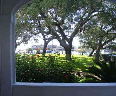 Sanders-Beach:-Pensacola-Yacht-Club_01c.jpg:  oak tree, hibicus, escambia bay, porch