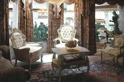 Scenic-Highway:-3780-Scenic-Ridge-Drive_02i.jpg:  oriental rug, marble floor, brocade, crystal chandelier, remington sculpture, french provincial furniture, sitting room