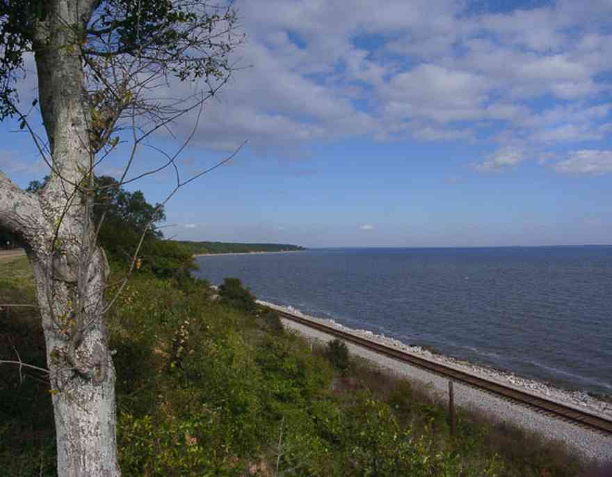 Scenic-Highway:-Bluffs_01.jpg:  railroad tracks, escambia bay, cirrus clouds