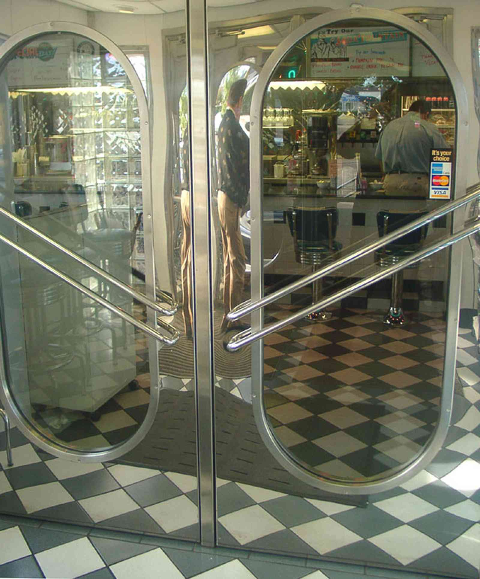 Scenic-Highway:-Scenic-90-Cafe_04.jpg:  stainless steel, tiled floor, chrome, cafe, diner